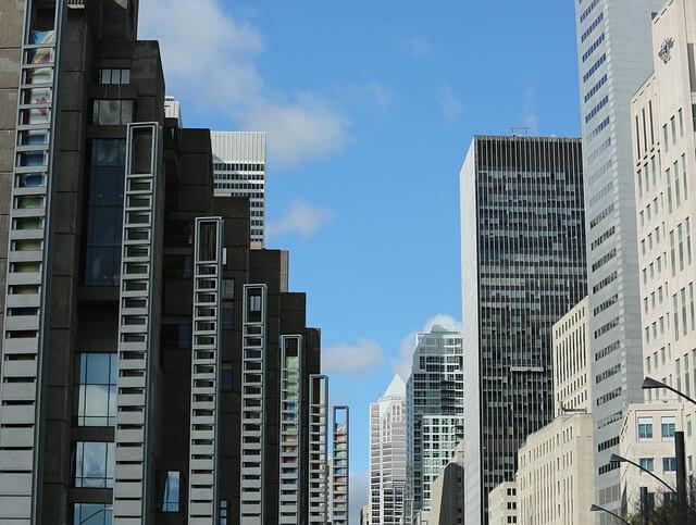 office-buildings-569125_640